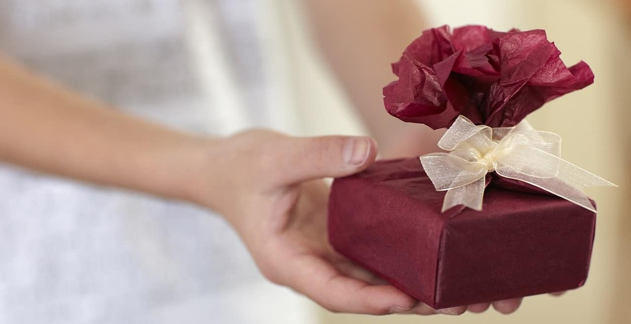 Unsere zwei größten Fehlreaktionen auf Geschenke